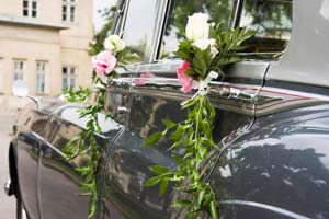 Picture of a wedding car