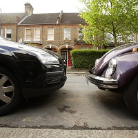Poor parking 'causes neighbourly tensions' Image