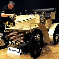 Landmark 1903 Vauxhall sold at auction Image